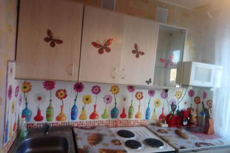 Сдается 2-комнатная квартира посуточно в Апатитах, улица Дзержинского, 36.