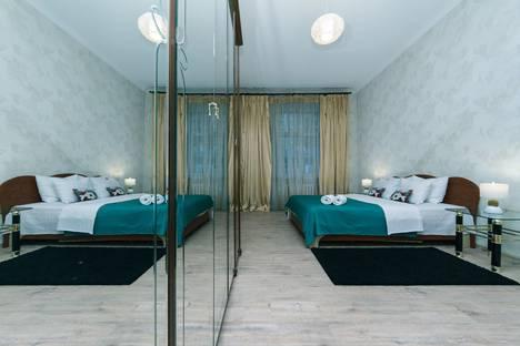 Сдается 3-комнатная квартира посуточно в Киеве, Київ, Бессарабська площа, 5.