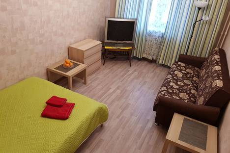 Сдается 1-комнатная квартира посуточно в Северодвинске, улица Первомайская, 21.