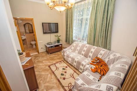 Сдается 4-комнатная квартира посуточно в Гурзуфе, Крым,улица Пролетарская 7.