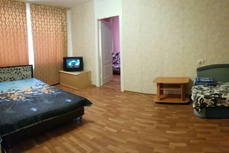 Сдается 2-комнатная квартира посуточно, Первомайская улица, 68/1.