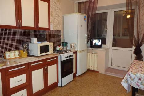 Сдается 1-комнатная квартира посуточно в Уфе, улица Коммунаров, 66.