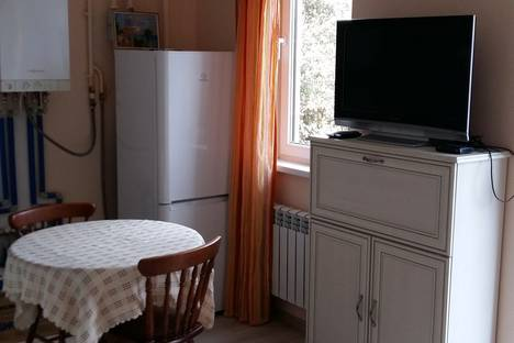 Сдается 1-комнатная квартира посуточно в Сочи, улица Докучаева, 8.