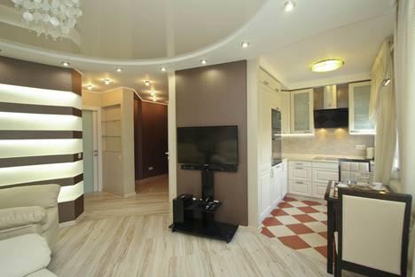 Сдается 1-комнатная квартира посуточно в Сургуте, улица Майская, 3.