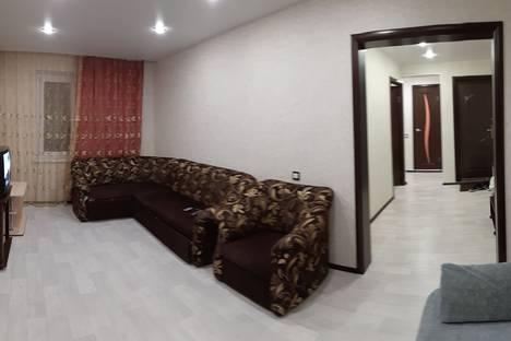 Сдается 2-комнатная квартира посуточно, улица Анатолия Гладкова, 20.
