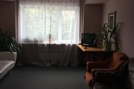 Сдается комната посуточно в Апатитах, улица Гладышева, 6а.