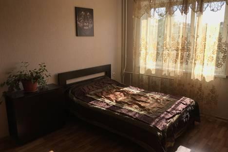 Сдается 1-комнатная квартира посуточно в Челябинске, улица Челябинского Рабочего, 6.