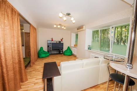 Сдается 2-комнатная квартира посуточно в Сергиевом Посаде, бульвар Кузнецова, 5.