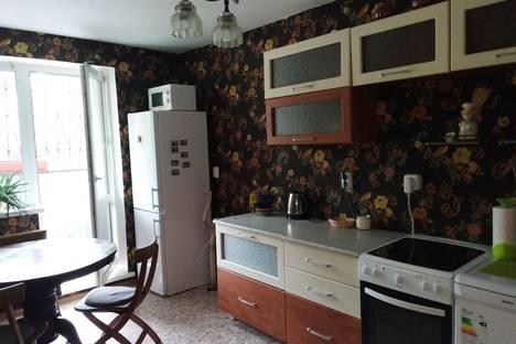 Сдается 2-комнатная квартира посуточно в Саянске, иркутская область, мкр. Мирный, 10.