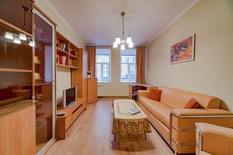 Сдается 2-комнатная квартира посуточно в Санкт-Петербурге, 3-я Советская улица, 6.