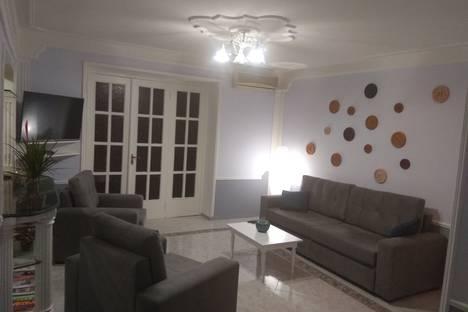 Сдается 3-комнатная квартира посуточно в Тбилиси, Tбилиси, улица Дмитрия Узнадзе, 2.