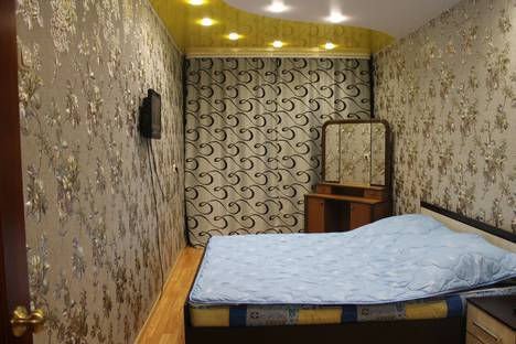 Сдается 3-комнатная квартира посуточно в Великом Устюге, улица Хабарова, 7А.