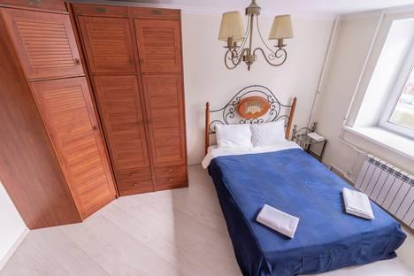Сдается 2-комнатная квартира посуточно в Нижнем Новгороде, улица Максима Горького, 142.