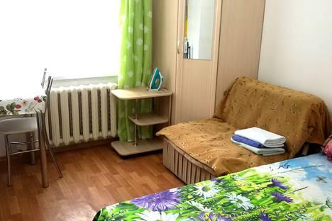 Сдается 1-комнатная квартира посуточно в Ялте, ул.Жадановского.1.