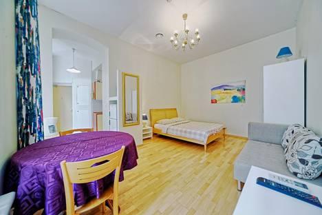 Сдается 1-комнатная квартира посуточно, Невский проспект, 32.