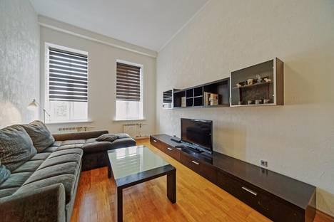 Сдается 2-комнатная квартира посуточно, набережная канала Грибоедова, 27.