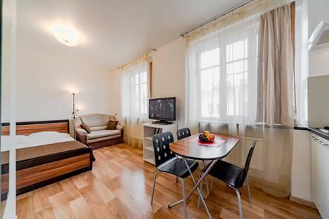 Сдается 1-комнатная квартира посуточно в Санкт-Петербурге, Невский пр.,д.146.