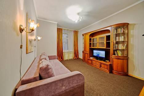 Сдается 1-комнатная квартира посуточно в Санкт-Петербурге, Каменноостровский пр.,д.29.