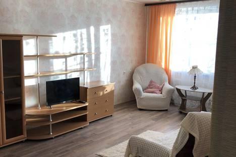Сдается 1-комнатная квартира посуточно в Липецке, улица Лутова, 8.