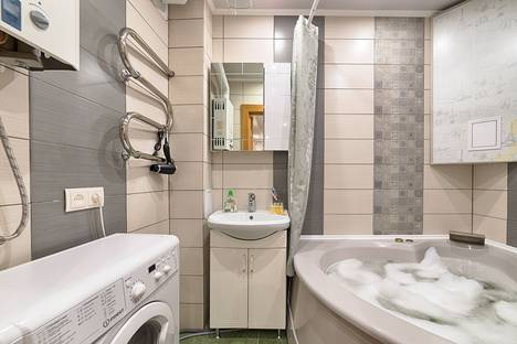 Сдается 2-комнатная квартира посуточно, переулок Гривцова, 24.