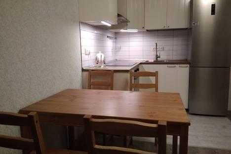 Сдается 2-комнатная квартира посуточно в Перми, улица Николая Островского, 93 б.