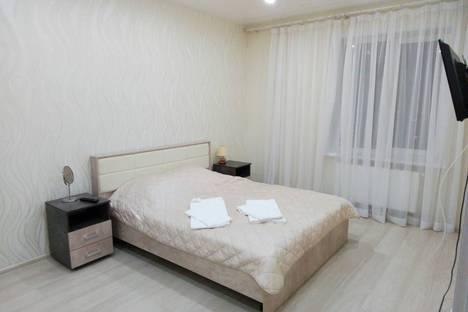 Сдается 2-комнатная квартира посуточно в Перми, улица Николая Островского, 93Б.