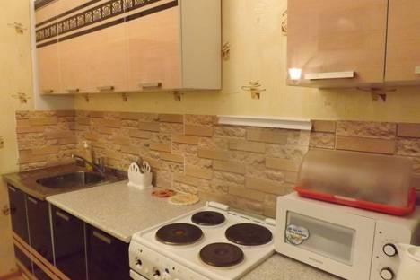 Сдается 4-комнатная квартира посуточно в Кировске, улица Олимпийская, 37.
