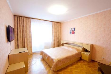 Сдается 1-комнатная квартира посуточно, улица Алексеева, 89.