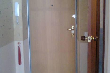 Сдается 2-комнатная квартира посуточно в Екатеринбурге, ул. Д.Зверева, 18.