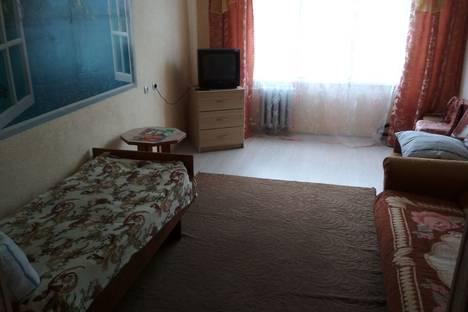 Сдается 1-комнатная квартира посуточно, улица Семенова, 12а.
