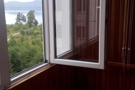 Сдается 1-комнатная квартира посуточно в Тургояке, Школьный переулок, 1.