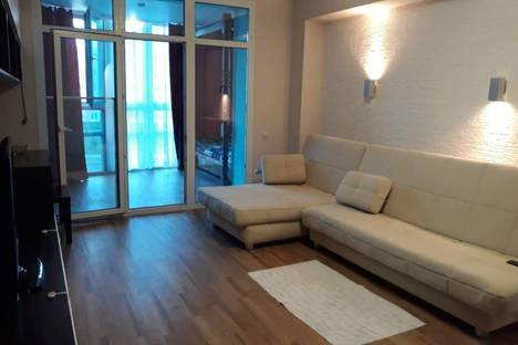 Сдается 2-комнатная квартира посуточно, улица Федора Гладкова, 36.