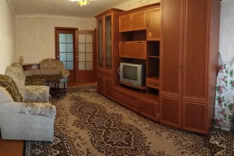 Сдается 2-комнатная квартира посуточно, улица Мясникова 24.