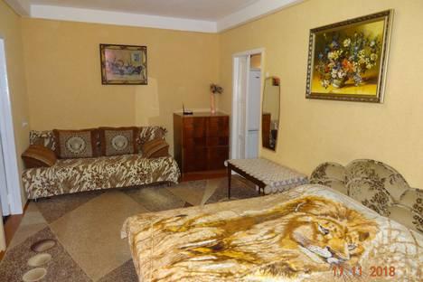 Сдается 2-комнатная квартира посуточно в Севастополе, проспект Генерала Острякова, 60.