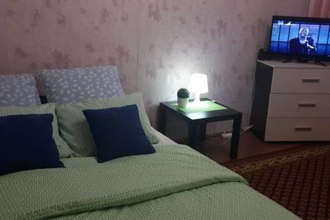 Сдается 2-комнатная квартира посуточно в Вольске, Саратовская улица, 33.