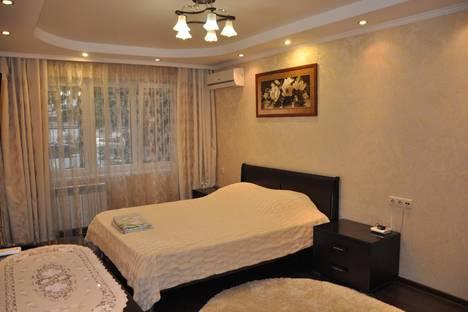 Сдается 2-комнатная квартира посуточно в Сочи, улица Роз, 50.