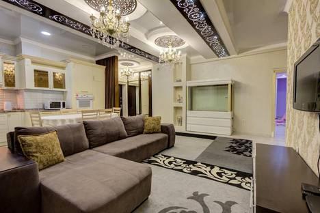 Сдается 3-комнатная квартира посуточно в Бишкеке, улица Элебаева, 2/2.