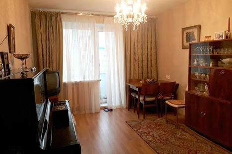 Сдается 2-комнатная квартира посуточно в Череповце, улица Краснодонцев.