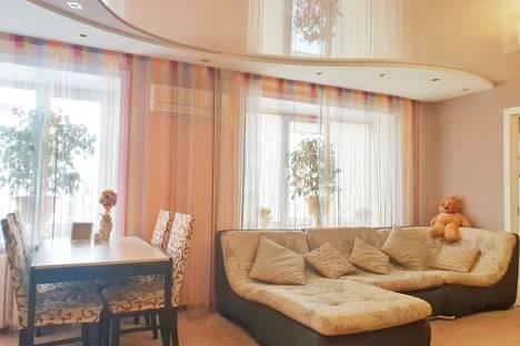 Сдается 3-комнатная квартира посуточно в Бийске, улица Васильева, 9.