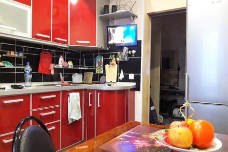 Сдается 4-комнатная квартира посуточно в Кировске, улица Олимпийская, 85.