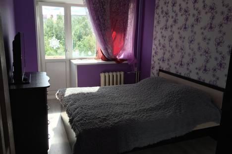 Сдается 2-комнатная квартира посуточно в Апатитах, Московская улица, 2а.