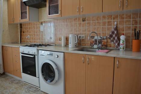 Сдается 1-комнатная квартира посуточно в Волжском, проспект Ленина, 134.
