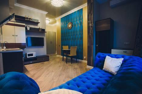 Сдается 2-комнатная квартира посуточно, Коммунистическая улица, 107.