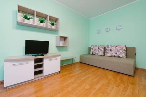 Сдается 2-комнатная квартира посуточно в Ижевске, улица К. Маркса, 270.
