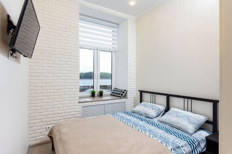 Сдается 1-комнатная квартира посуточно, Английская набережная, 24.