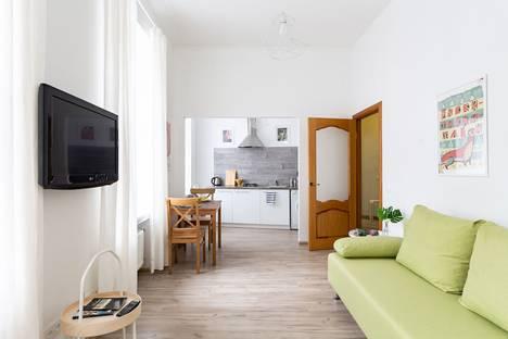 Сдается 2-комнатная квартира посуточно, Невский проспект, 124.