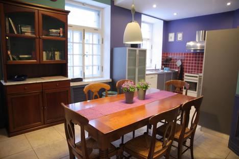 Сдается 4-комнатная квартира посуточно в Санкт-Петербурге, улица Стахановцев, 9.