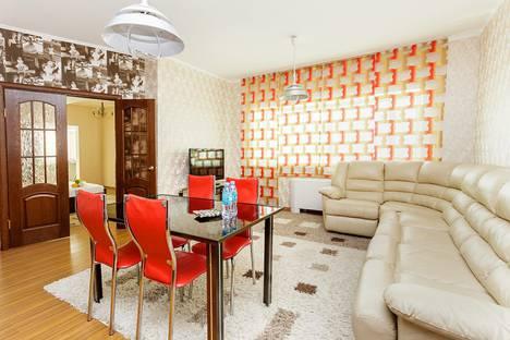 Сдается 2-комнатная квартира посуточно в Астане, улица Достык, 5.