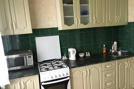 Сдается 2-комнатная квартира посуточно в Балакове, проезд Энергетиков, 6.