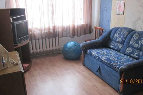 Сдается 2-комнатная квартира посуточно в Волжском, улица Пушкина, 54.